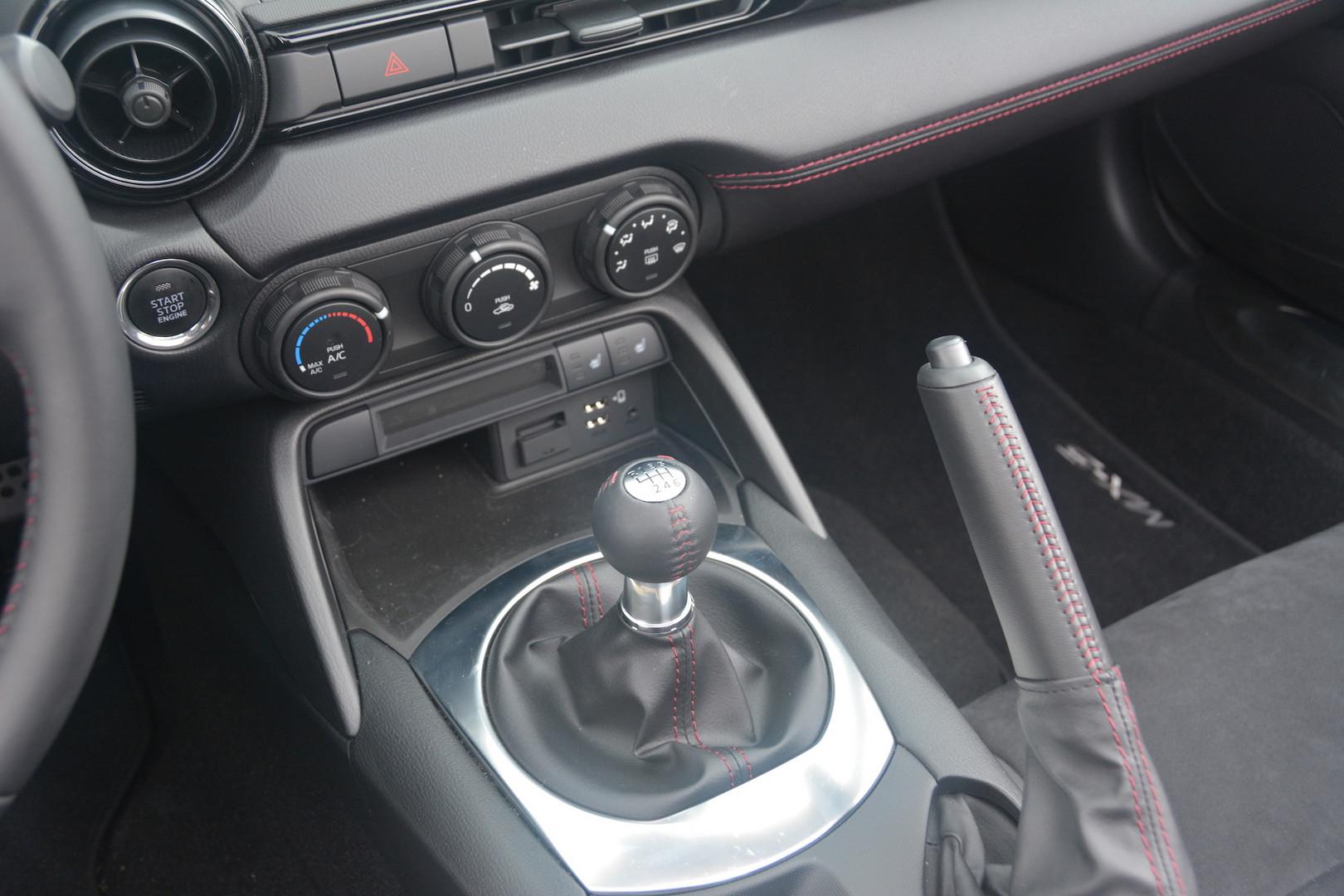 Mazda MX-5 Manual