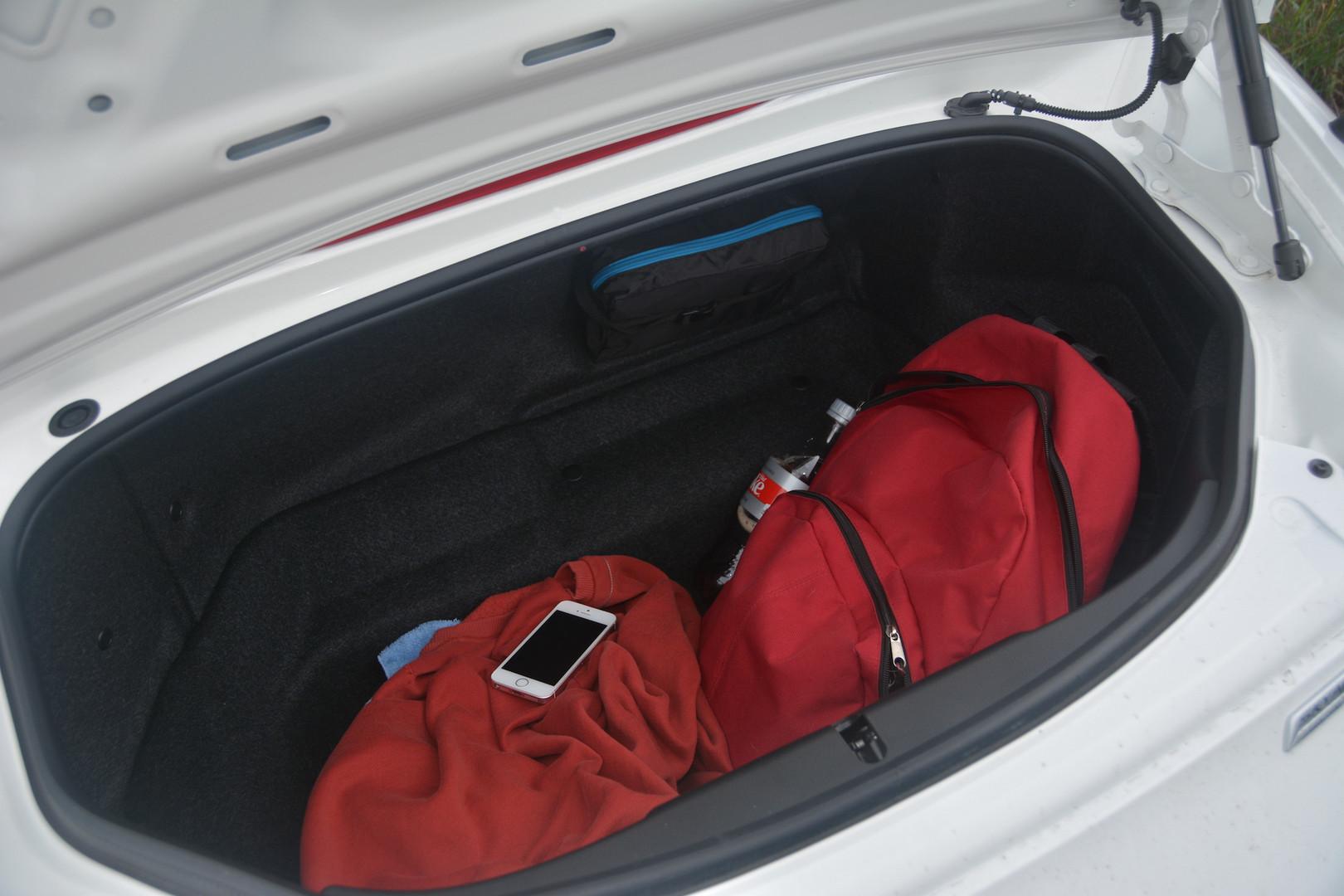 Mazda MX-5 Trunk