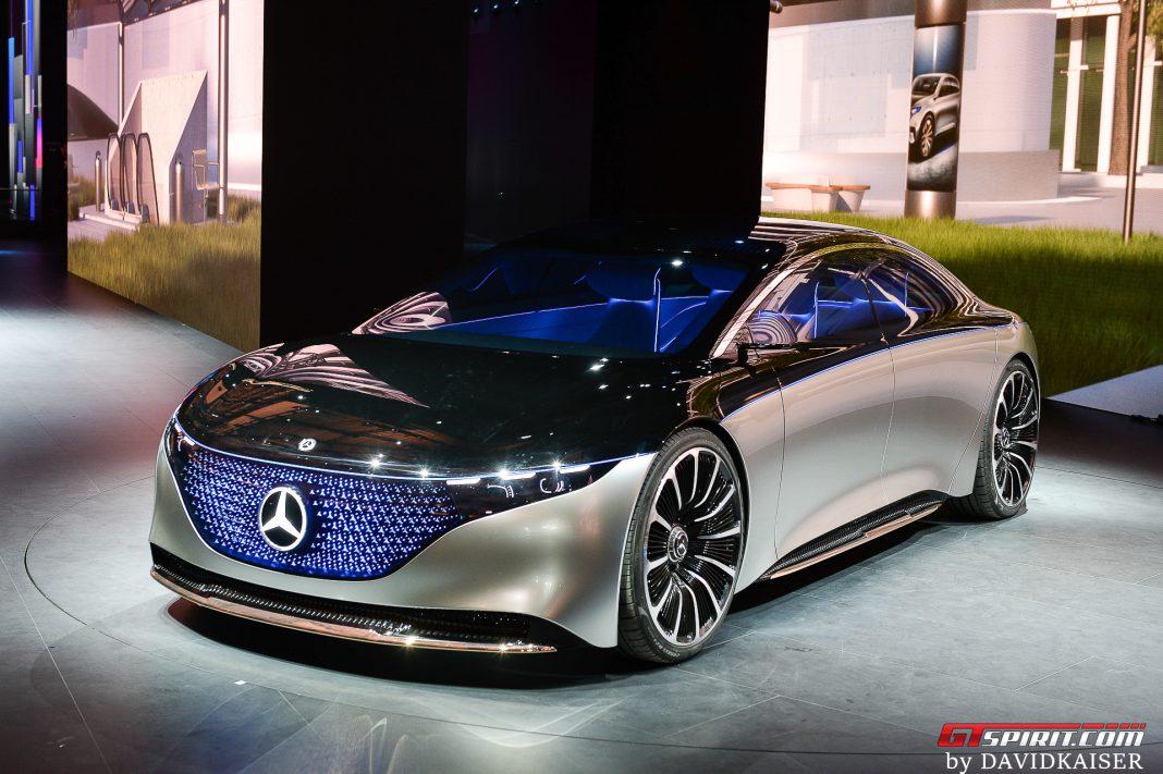 Mercedes-Benz EQS Wallpaper