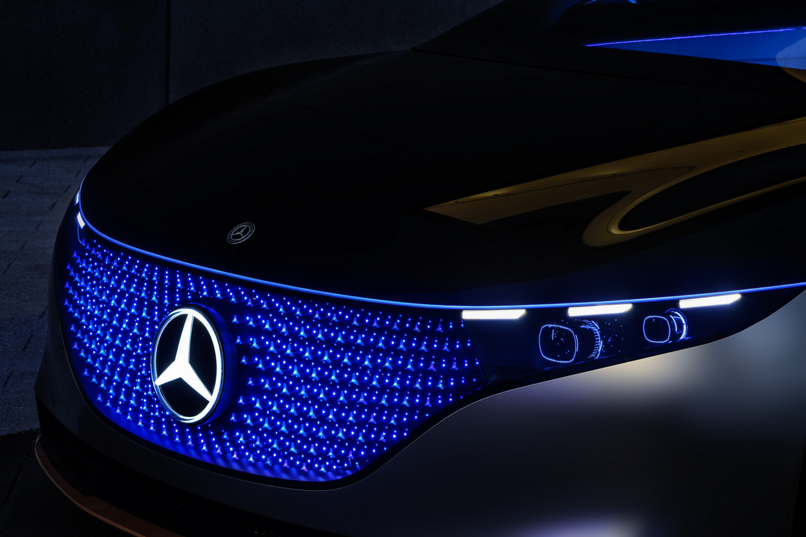 Mercedes-Benz VISION EQS Blue