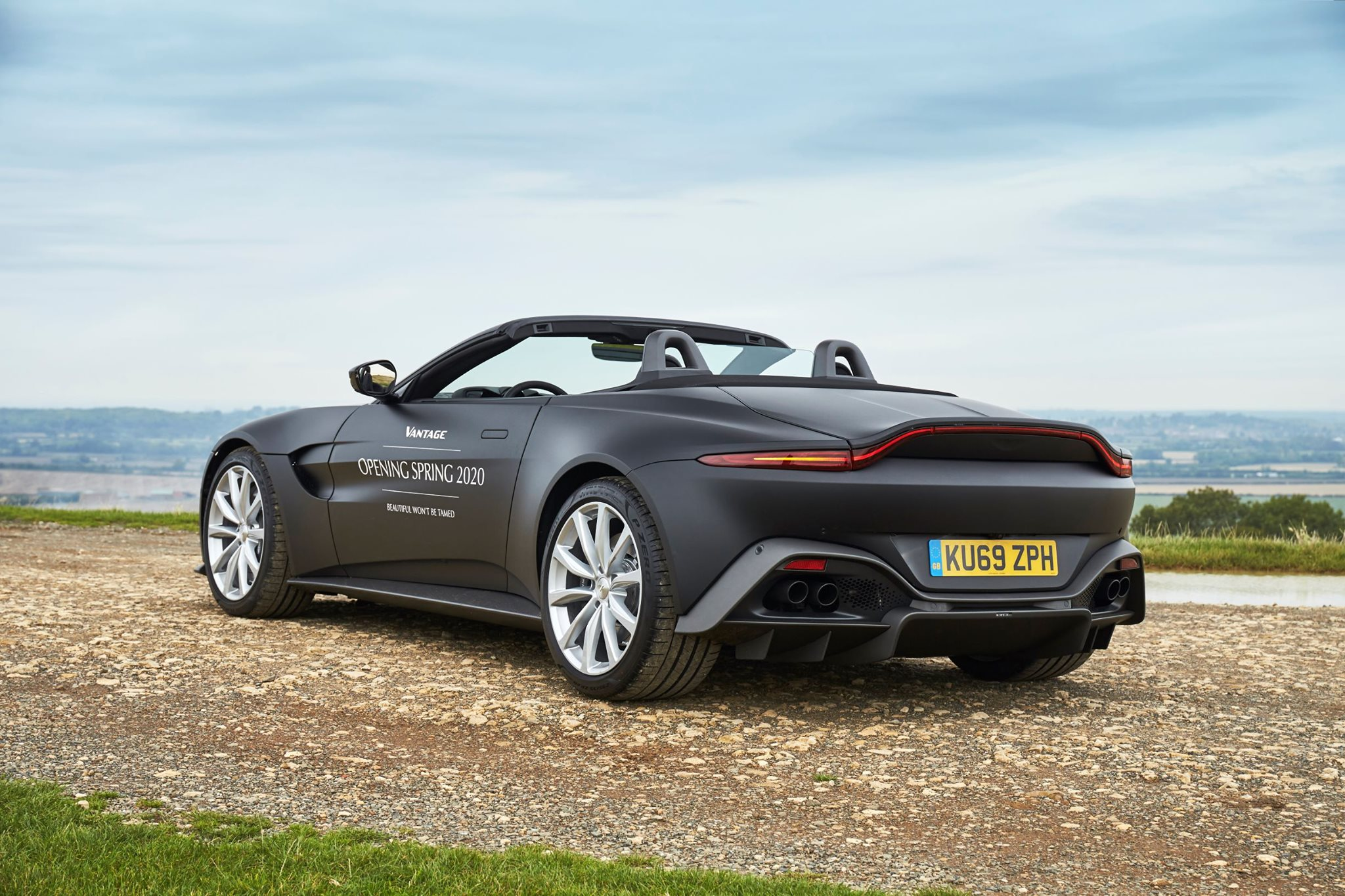 2020 Aston Martin V8 Vantage Roadster Official Photos Revealed Gtspirit