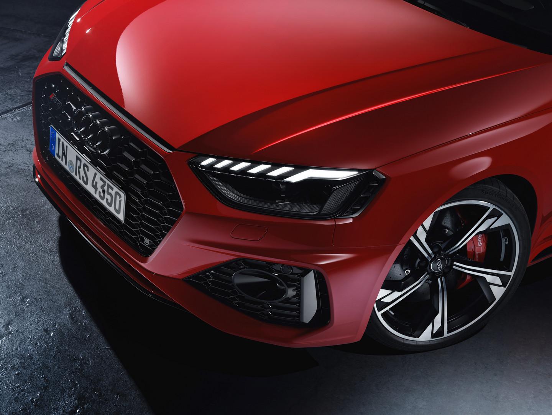 Audi RS4 Avant Headlight