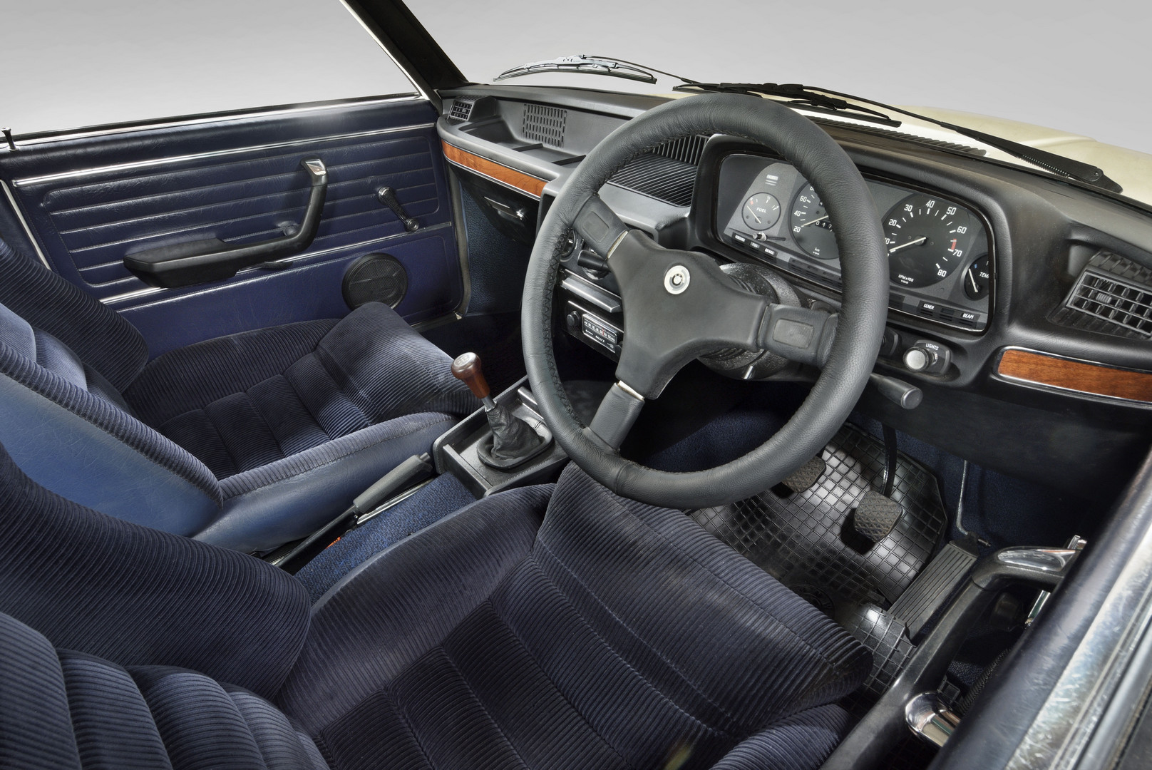 BMW 530 MLE Interior