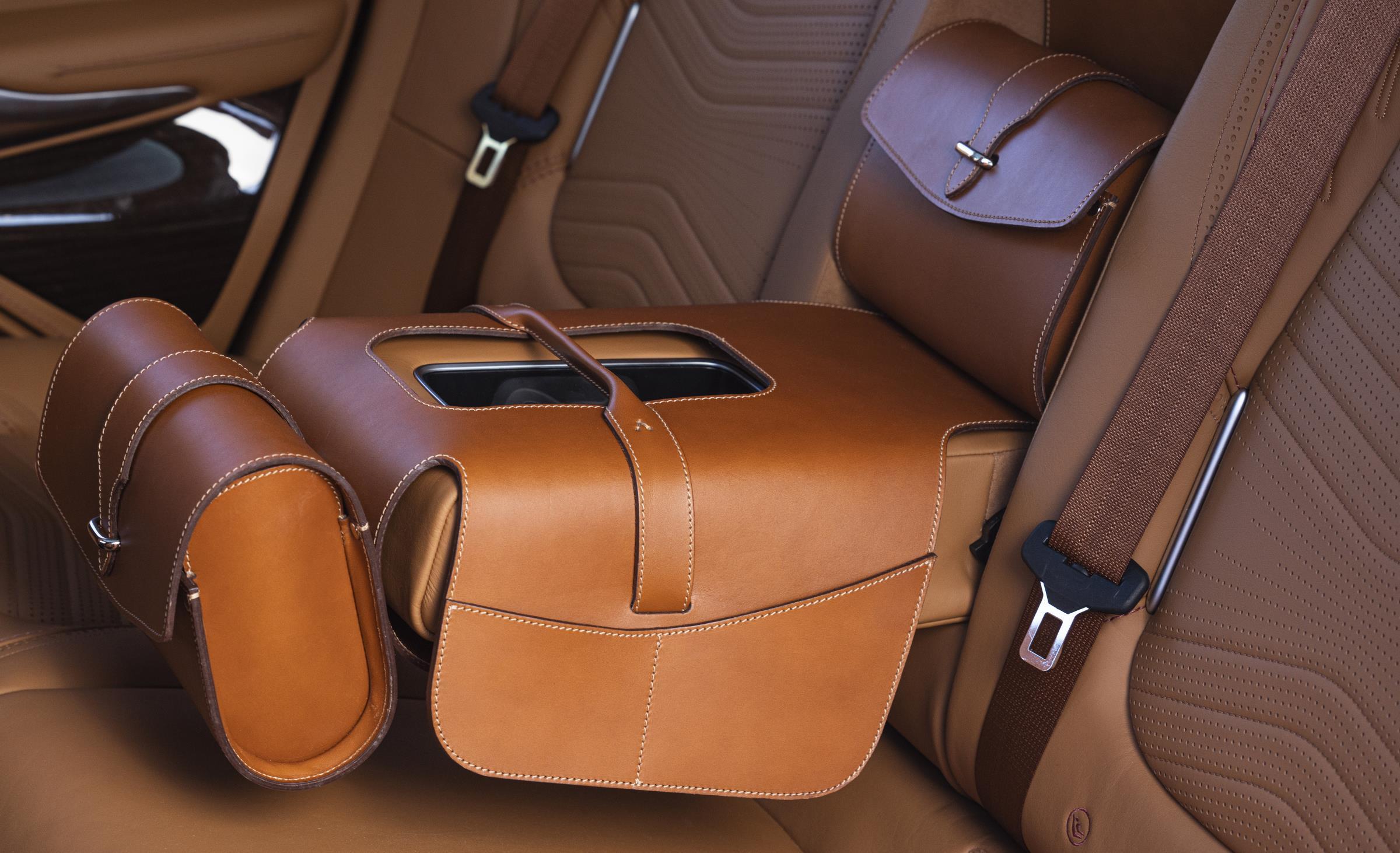 Aston Martin DBX Extra
