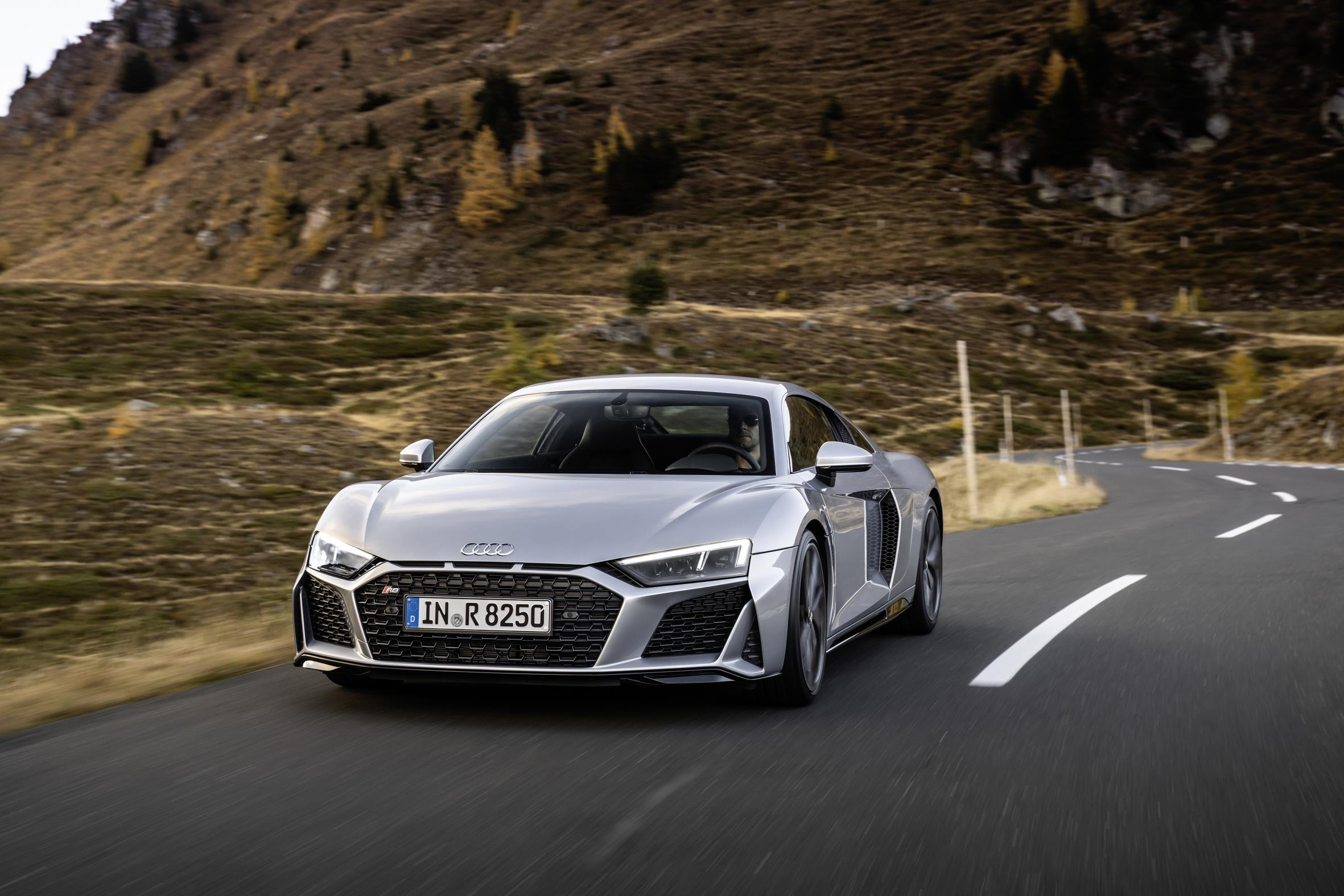 2020 Audi R8 RWD Coupe Review
