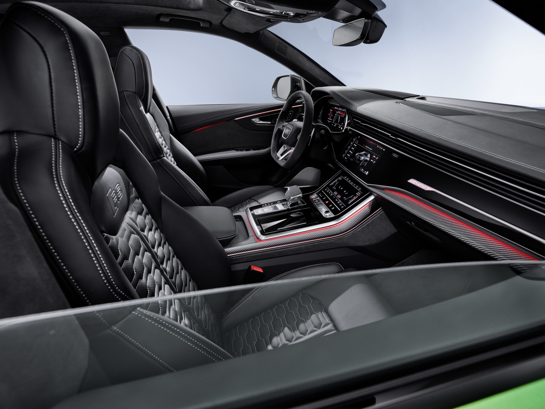 2020 Audi RS Q8 Cockpit