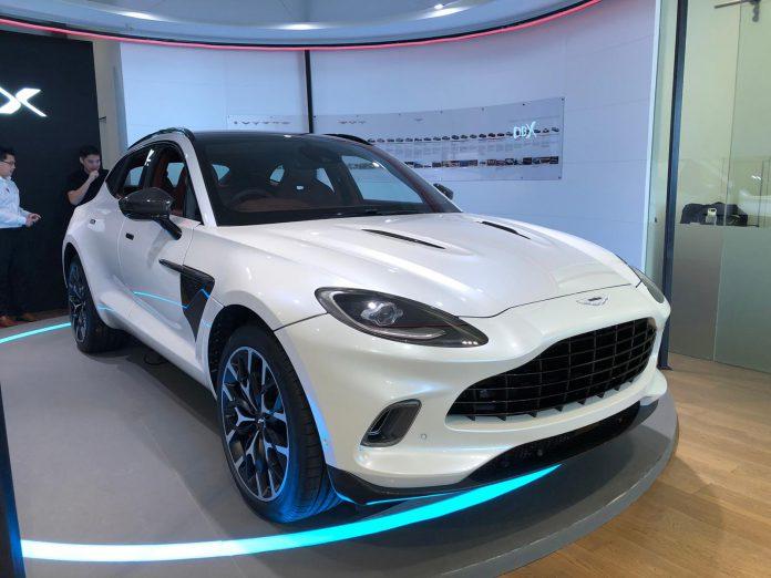Aston Martin DBX White