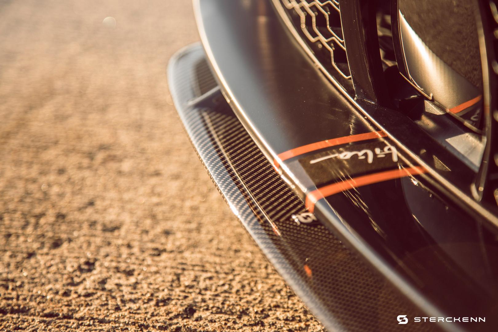 BMW Carbon Lip
