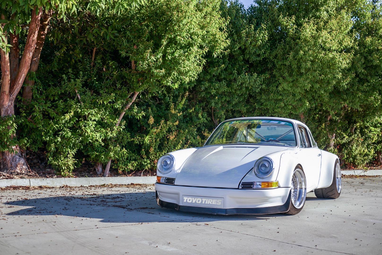 Cream Porsche 911
