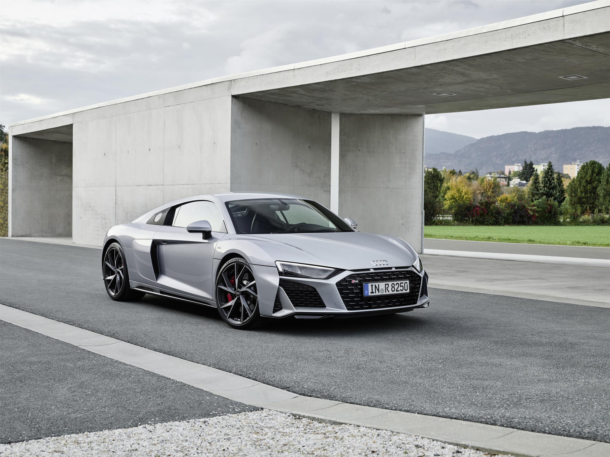 Grey Audi R8 RWD Coupe