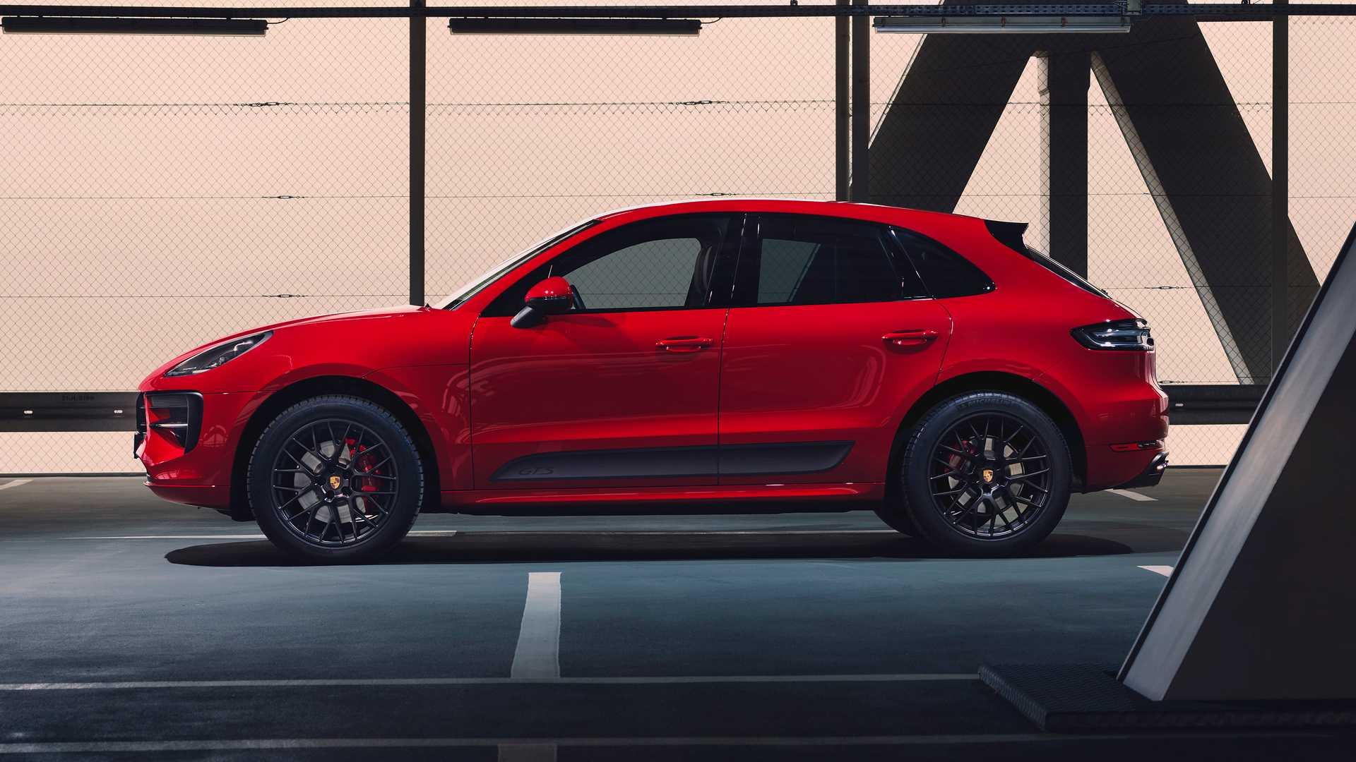 2020 Porsche Macan GTS Side