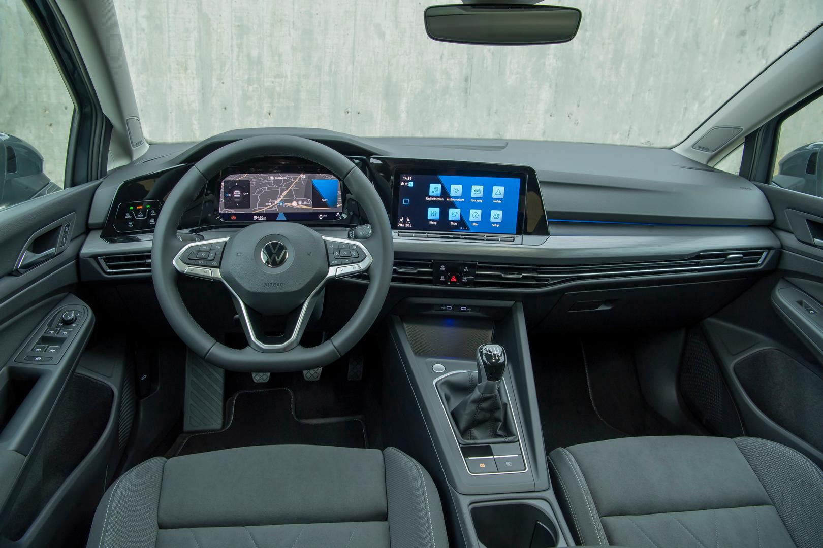2020 VW Golf 8 Cockpit