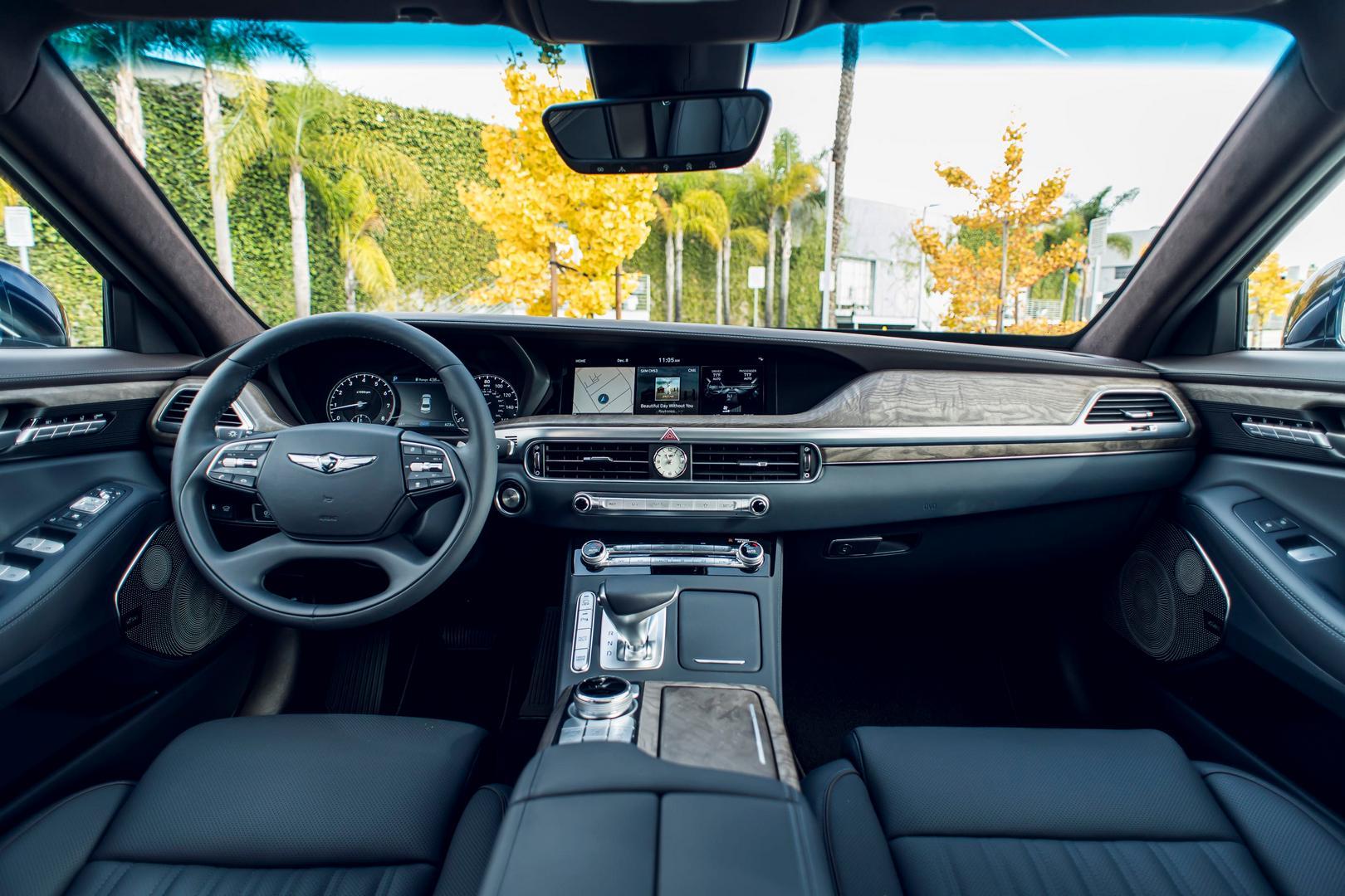 Genesis G90 Interior Black