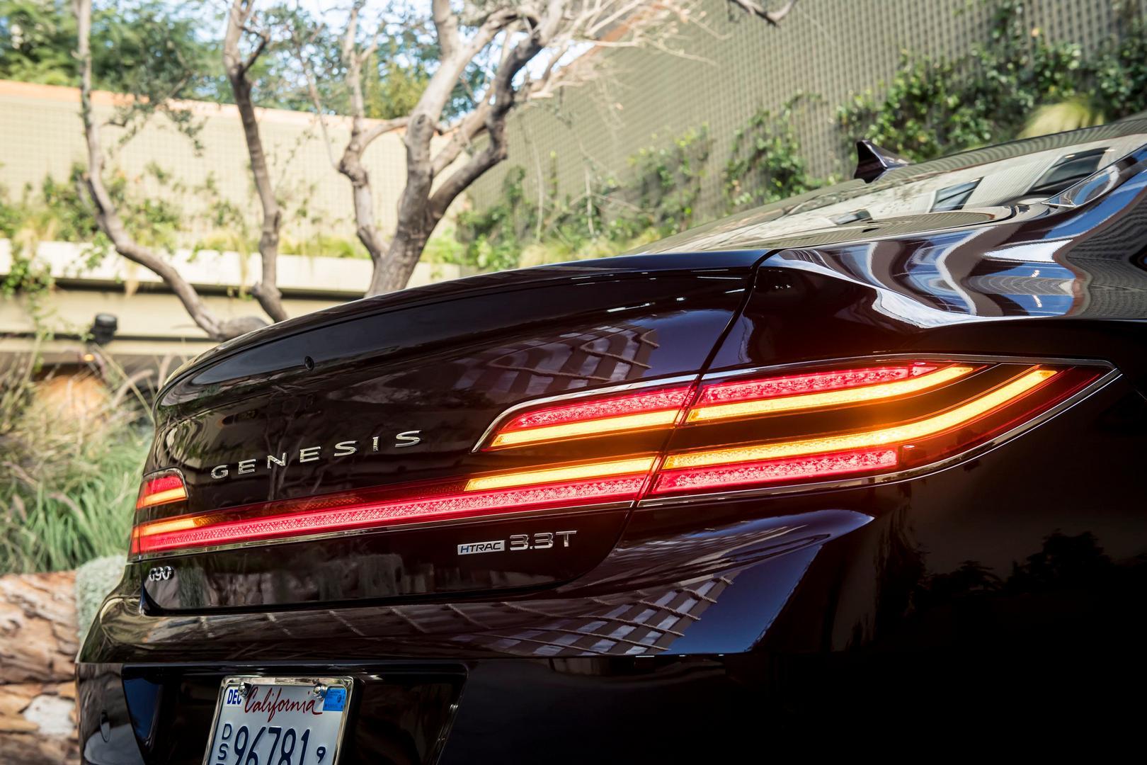 Genesis G90 Rear Lights