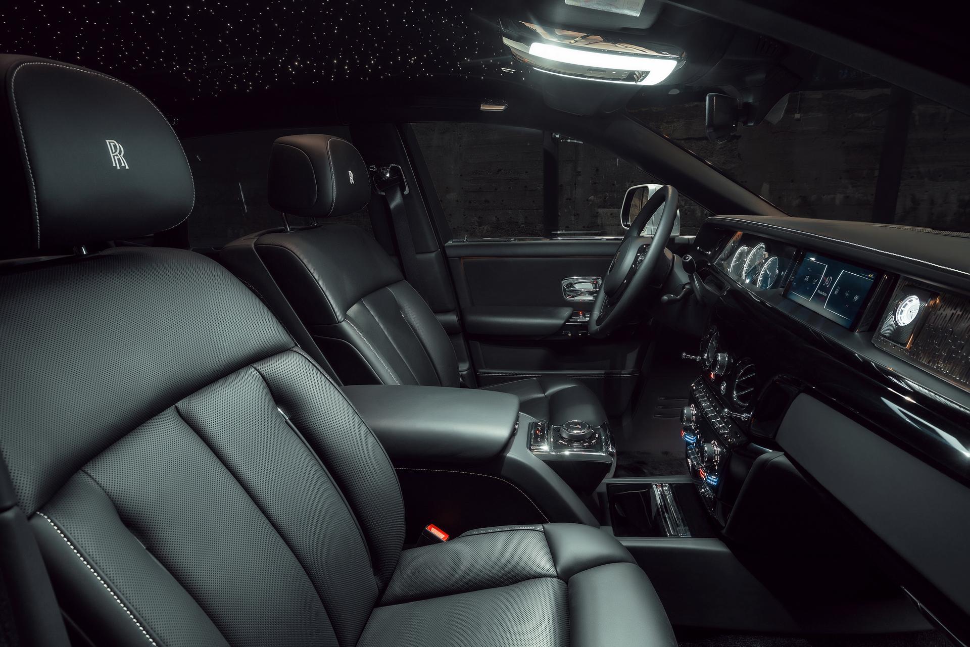 Rolls-Royce Phantom 8 Interior