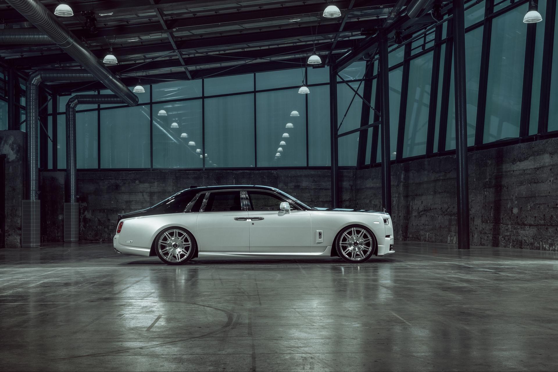 Rolls-Royce Phantom 8 Side