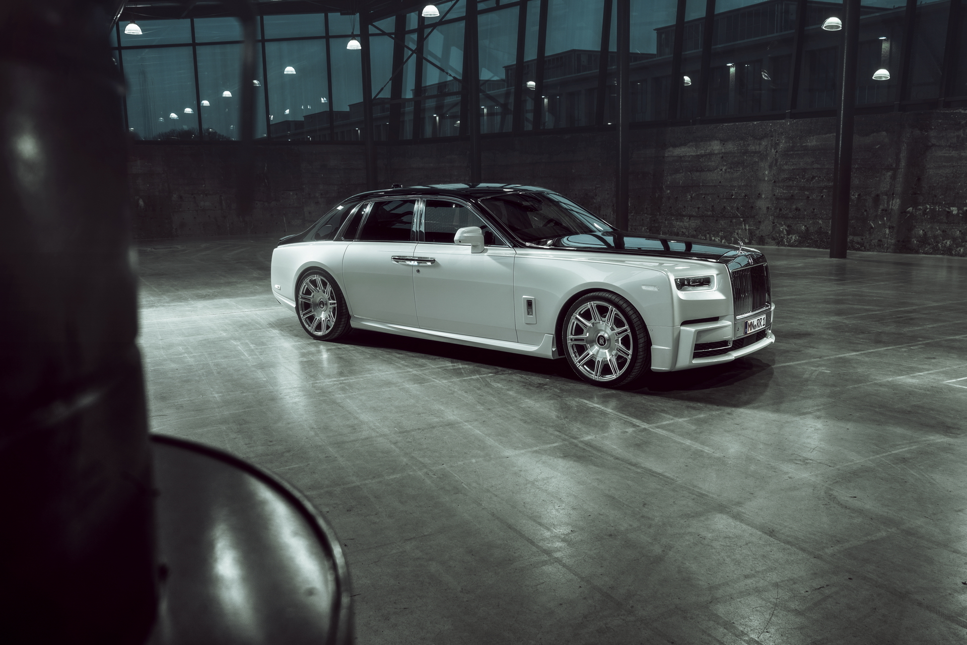 Rolls-Royce Phantom 8 Wheels