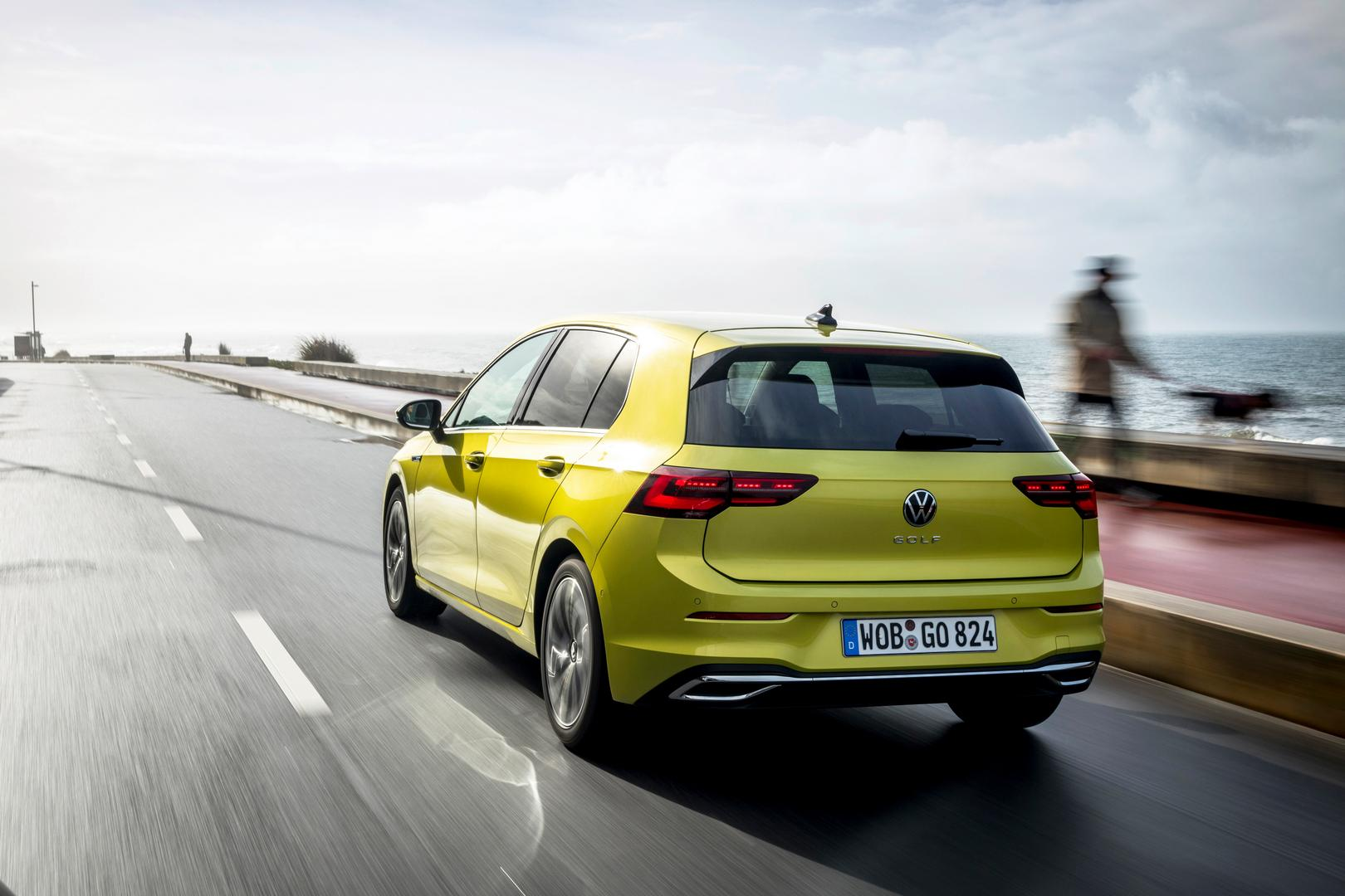 Lime Yellow VW GOLF 8