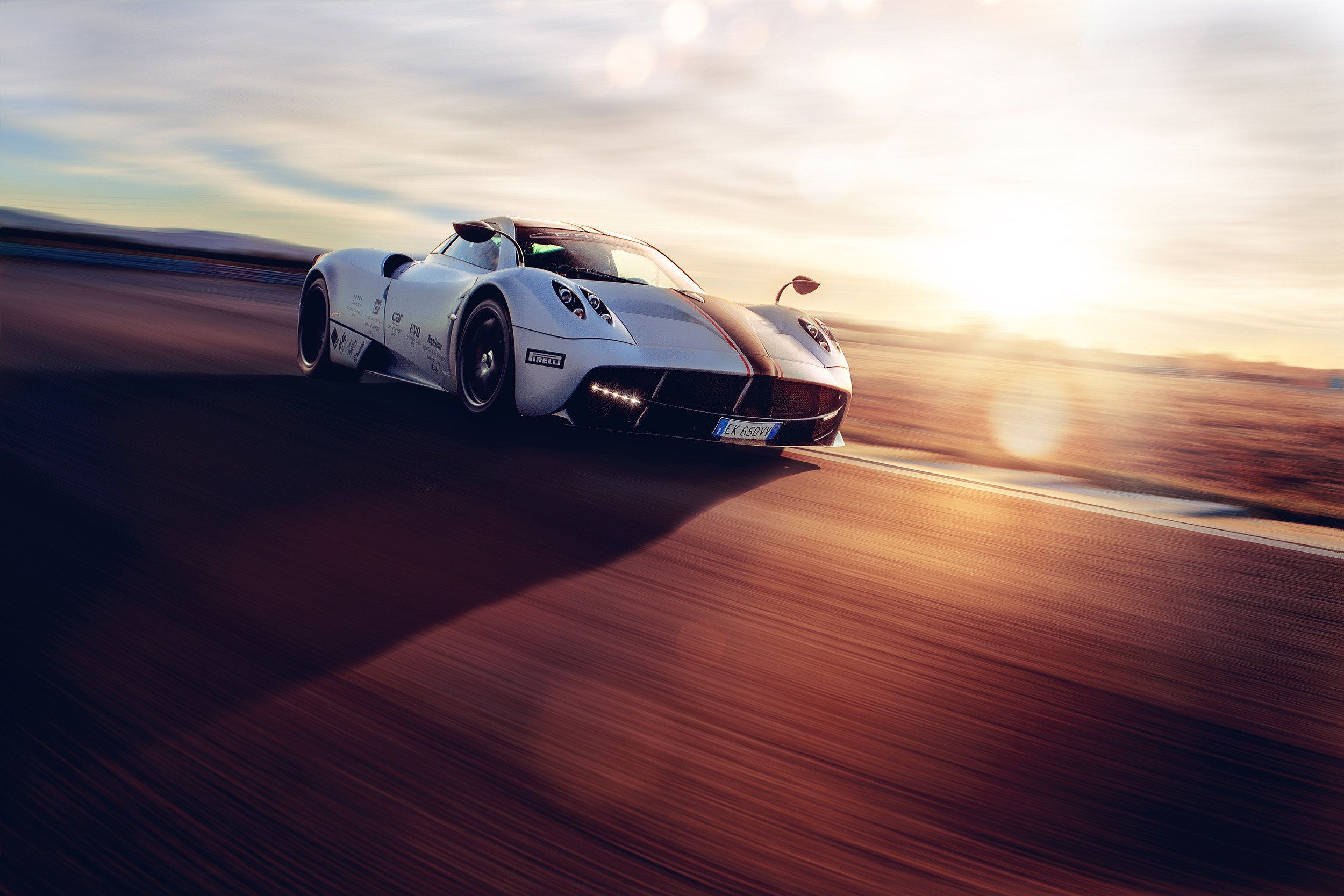 PaganiHuayra_Front3_2500px